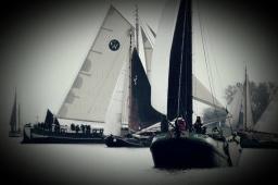 Bruine vloot zeilschip in Zeeland.